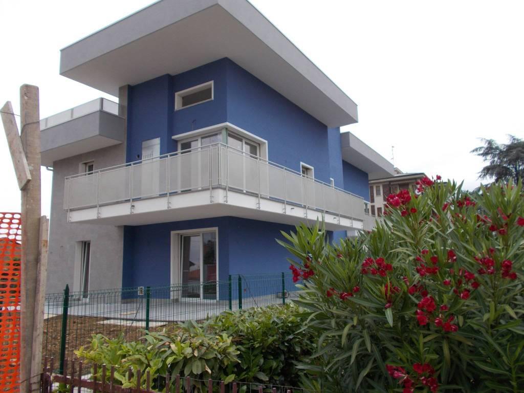 Attico / Mansarda in affitto a Fara Gera d'Adda, 3 locali, prezzo € 700 | CambioCasa.it