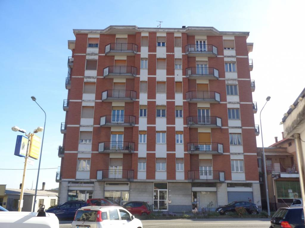Appartamento in buone condizioni in vendita Rif. 8139194