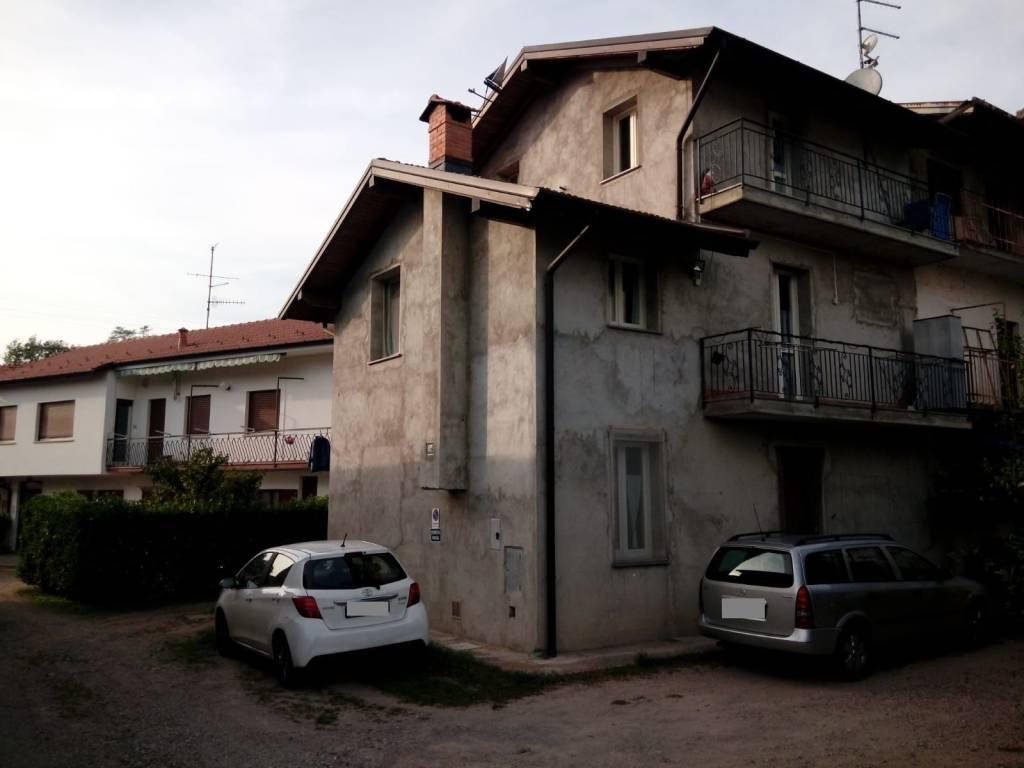 Soluzione Indipendente in vendita a Viggiù, 4 locali, prezzo € 165.000 | CambioCasa.it