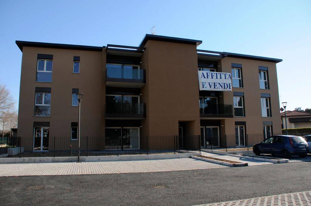 Appartamento in ottime condizioni in vendita Rif. 8114418