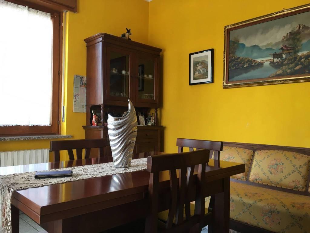 Appartamento in ottime condizioni parzialmente arredato in vendita Rif. 8132190