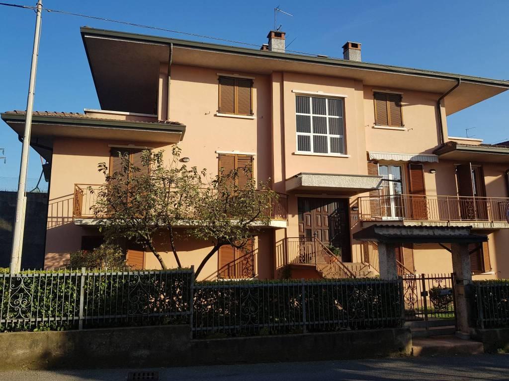 Appartamento in vendita a Albano Sant'Alessandro, 3 locali, prezzo € 100.000 | CambioCasa.it