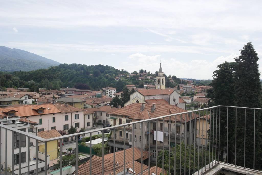 Appartamento in vendita a Besozzo, 2 locali, prezzo € 50.000 | CambioCasa.it