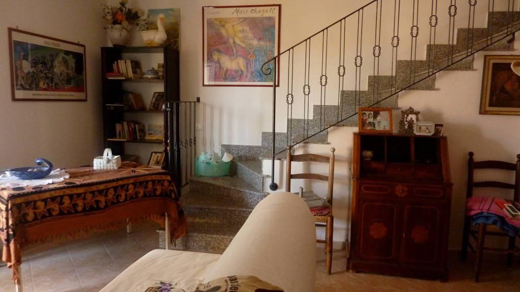 Villa in buone condizioni in vendita Rif. 8137811