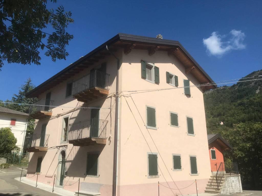 Appartamento in ottime condizioni in vendita Rif. 8137663
