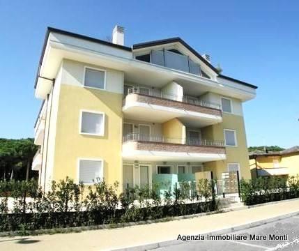 Appartamento in ottime condizioni arredato in vendita Rif. 8132758