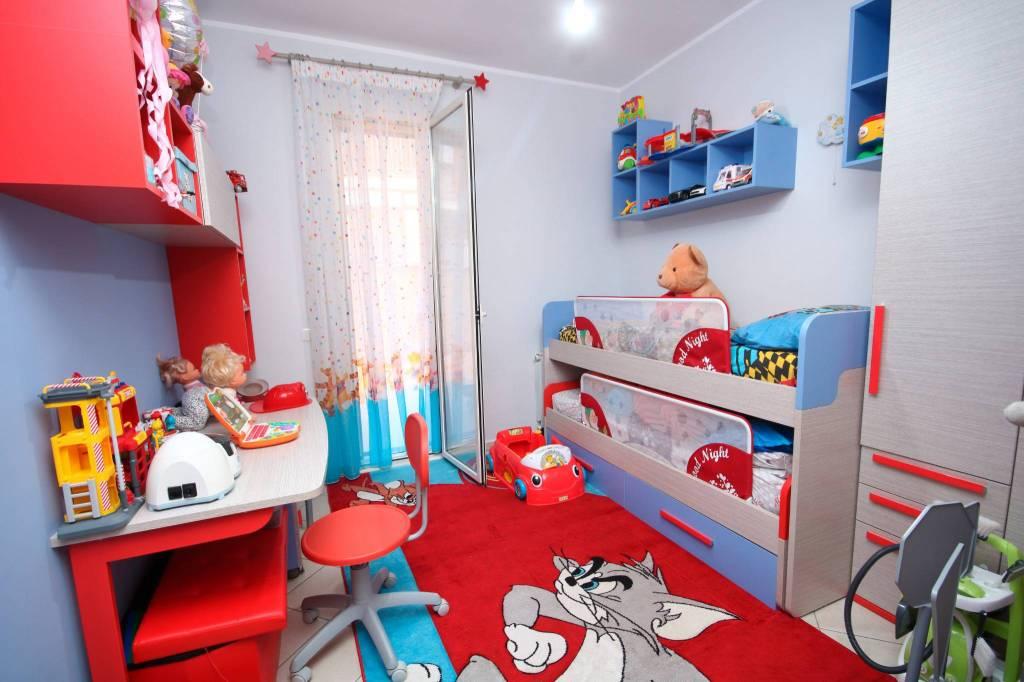 Appartamento in ottime condizioni in vendita Rif. 8141090
