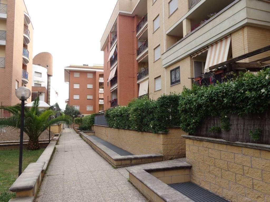 Appartamento in vendita a Roma, 4 locali, zona Zona: 36 . Finocchio, Torre Gaia, Tor Vergata, Borghesiana, prezzo € 295.000 | CambioCasa.it