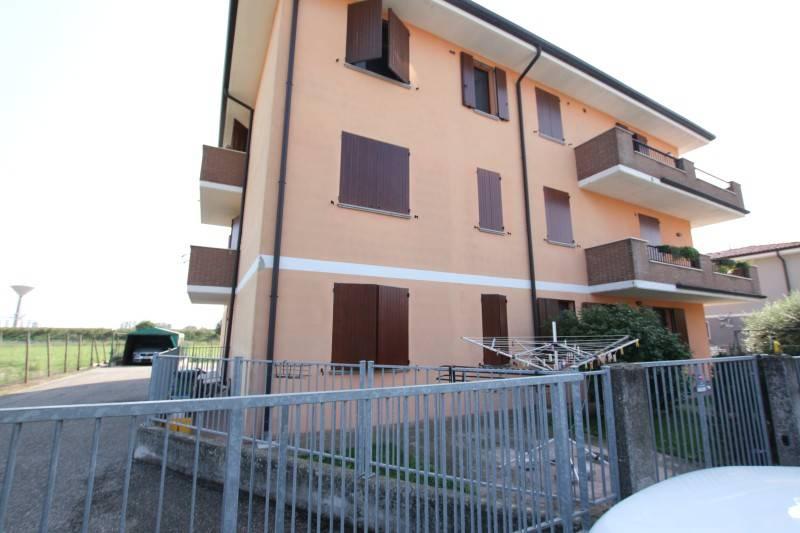 Appartamento in ottime condizioni arredato in vendita Rif. 8133783