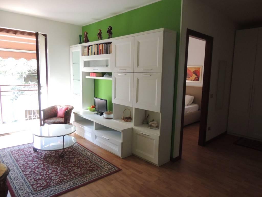 Appartamento in ottime condizioni arredato in affitto Rif. 8079593