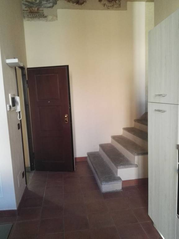 Appartamento in ottime condizioni arredato in affitto Rif. 8140896