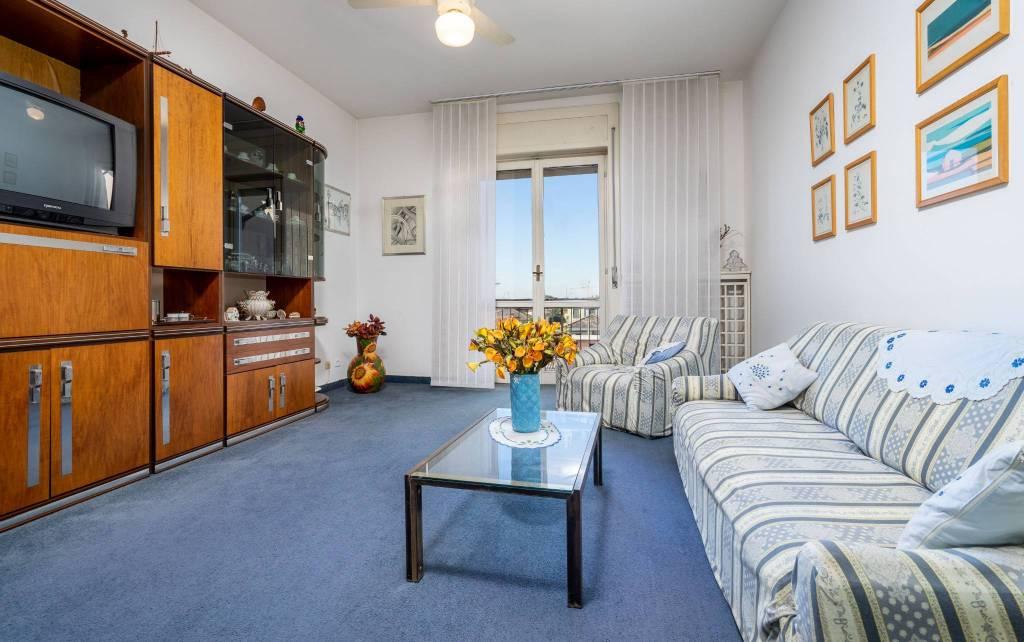 Appartamento in buone condizioni in vendita Rif. 8132418