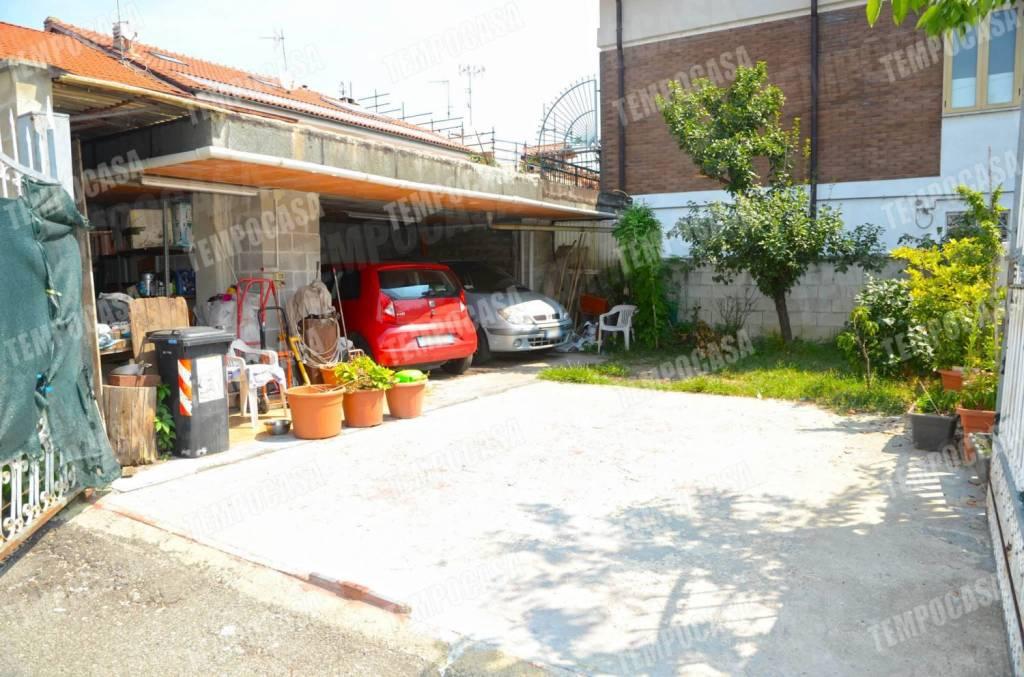 Appartamento da ristrutturare in vendita Rif. 8153961