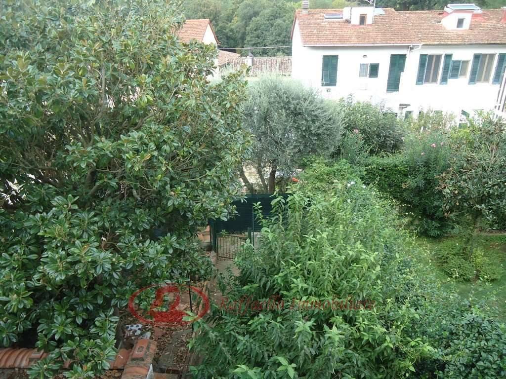 Villetta a schiera in buone condizioni in vendita Rif. 8135218