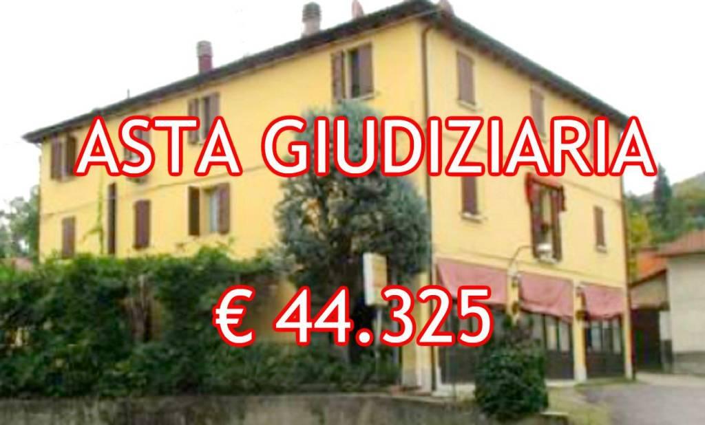Appartamento in buone condizioni in vendita Rif. 8154387