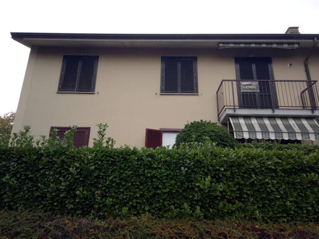 Appartamento in buone condizioni parzialmente arredato in vendita Rif. 8157092