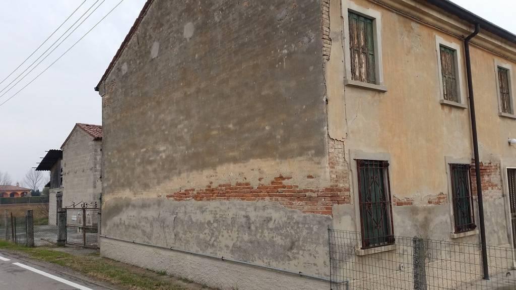 Rustico / Casale in vendita a Gazzo Veronese, 6 locali, prezzo € 34.000 | CambioCasa.it
