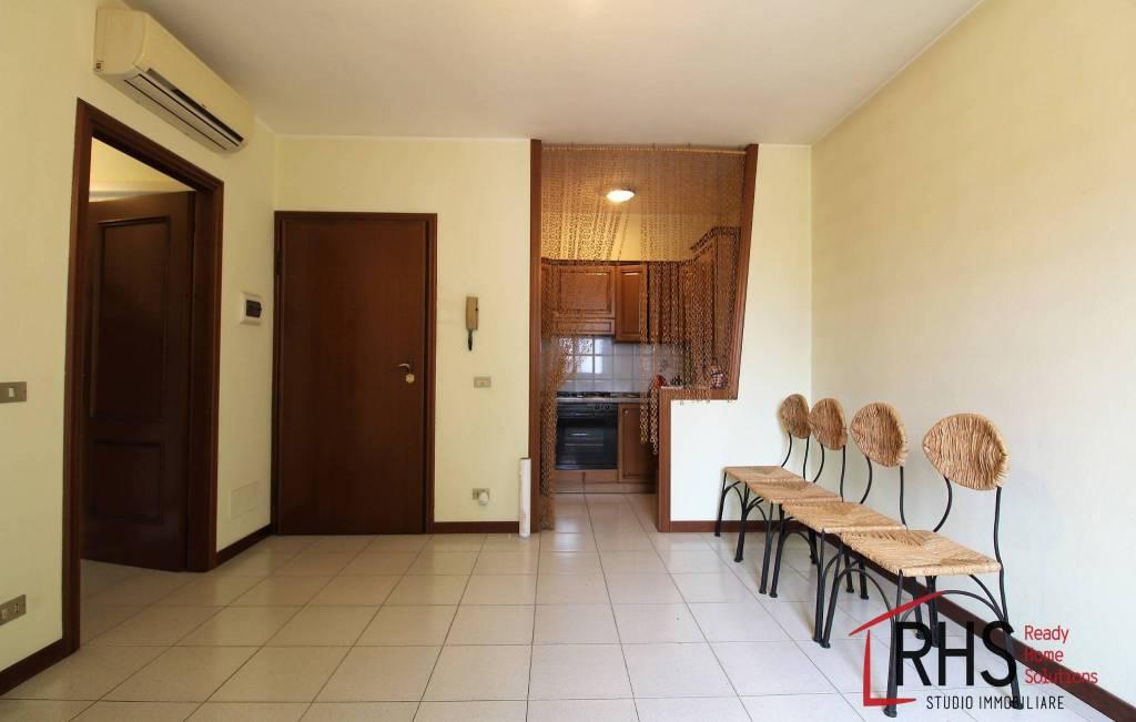 Appartamento in buone condizioni in vendita Rif. 8143639