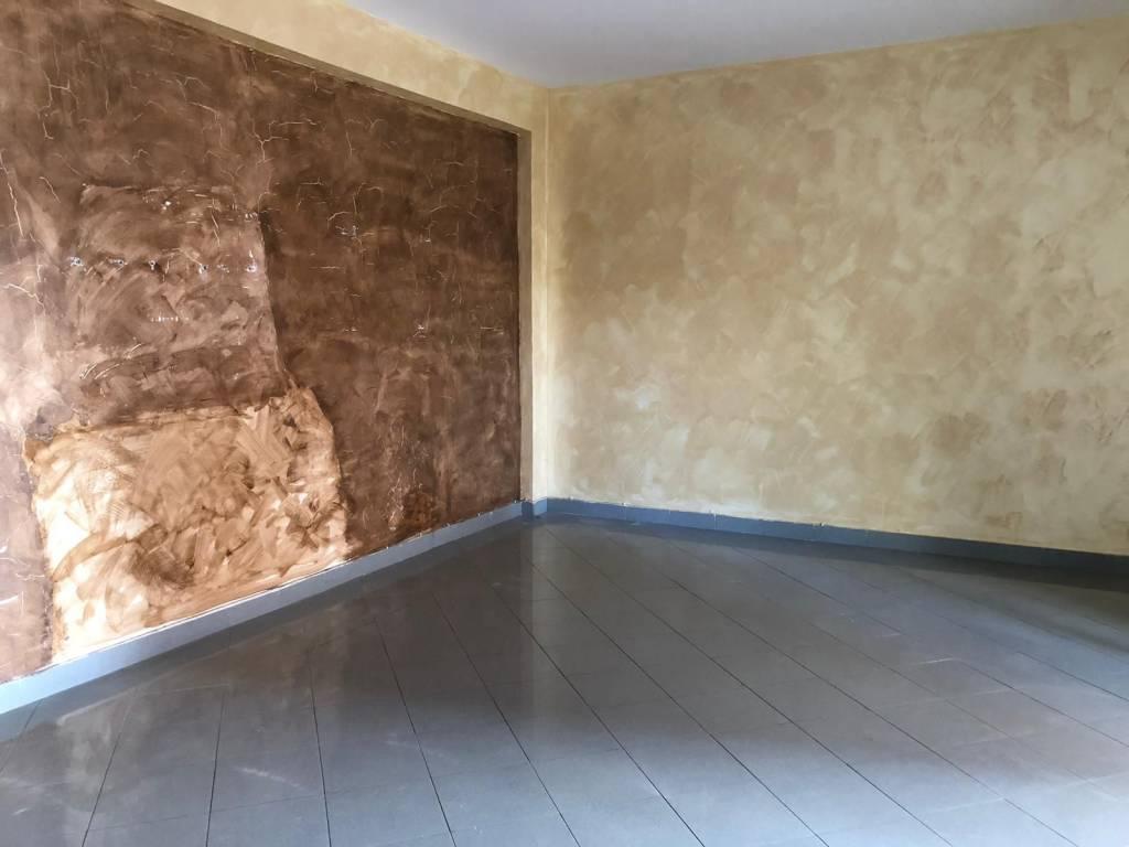 Appartamento in ottime condizioni in affitto Rif. 8161311