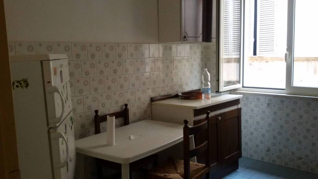 Appartamento in buone condizioni parzialmente arredato in affitto Rif. 8578346