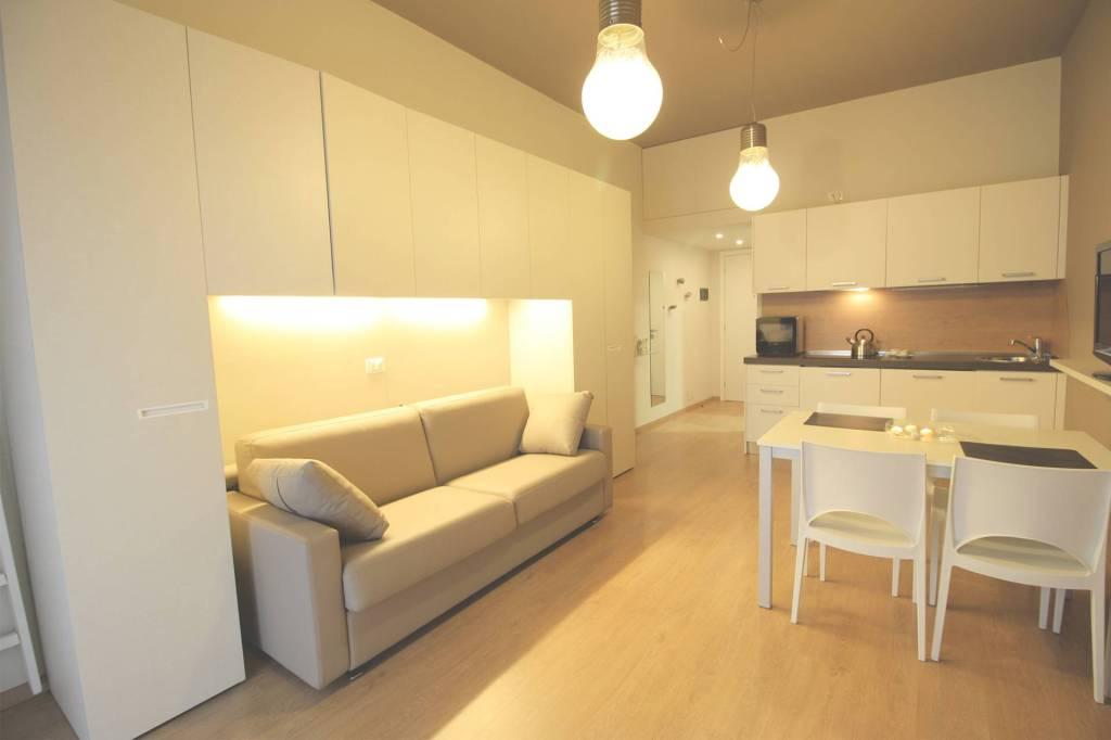 Appartamento in ottime condizioni arredato in affitto Rif. 8159628