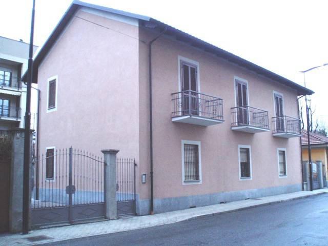 Appartamento in buone condizioni arredato in affitto Rif. 8155344