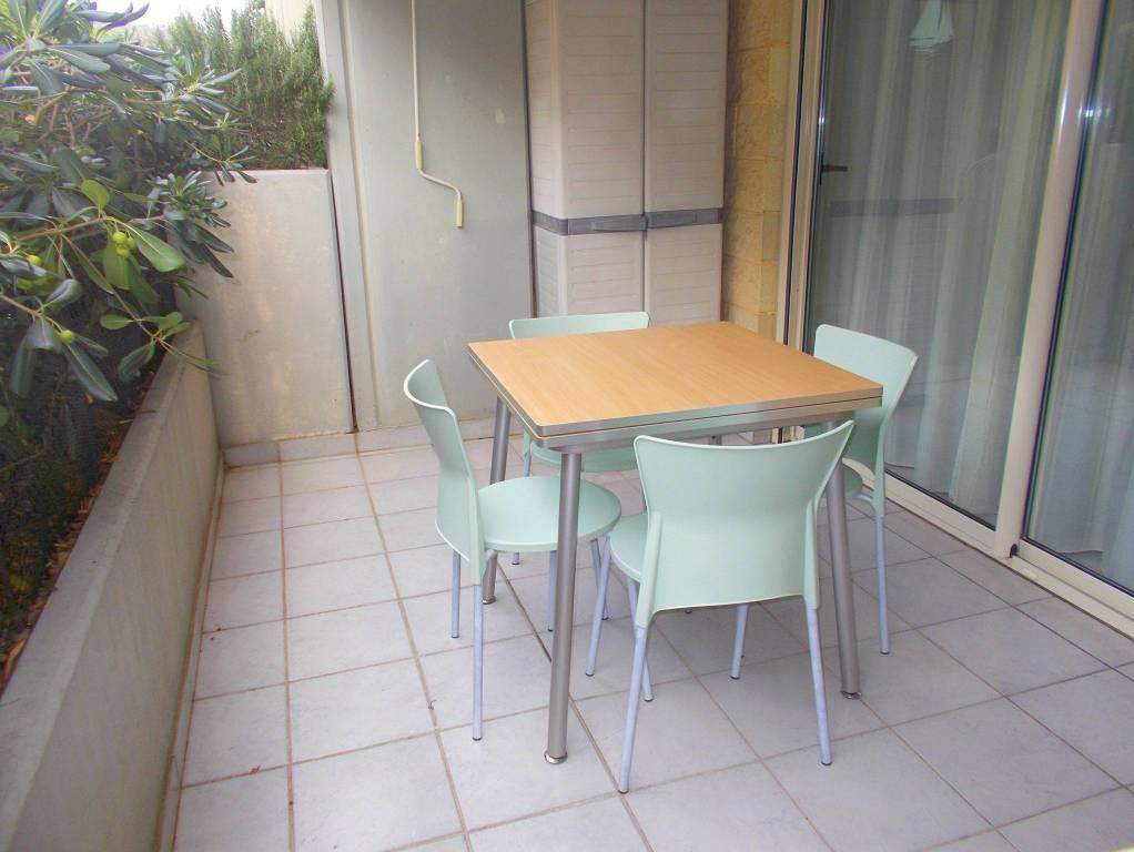 Appartamento in buone condizioni arredato in vendita Rif. 9153531