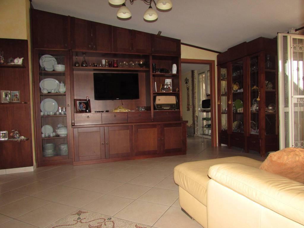 Appartamento in ottime condizioni in vendita Rif. 8413701