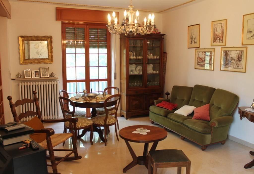 Appartamento in ottime condizioni arredato in vendita Rif. 8151375