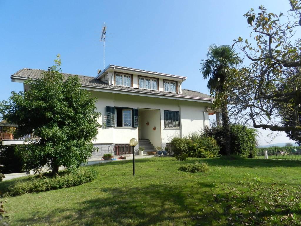 Villa in buone condizioni in vendita Rif. 8154990
