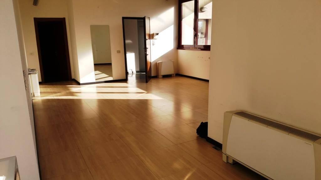 In Vendita a Legnano Ufficio / Studio