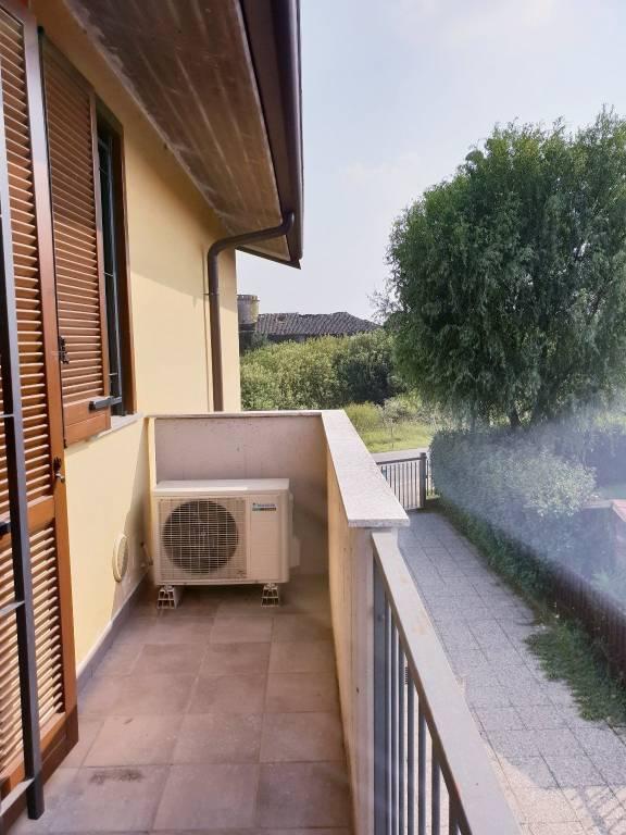 Appartamento in ottime condizioni in vendita Rif. 8156184