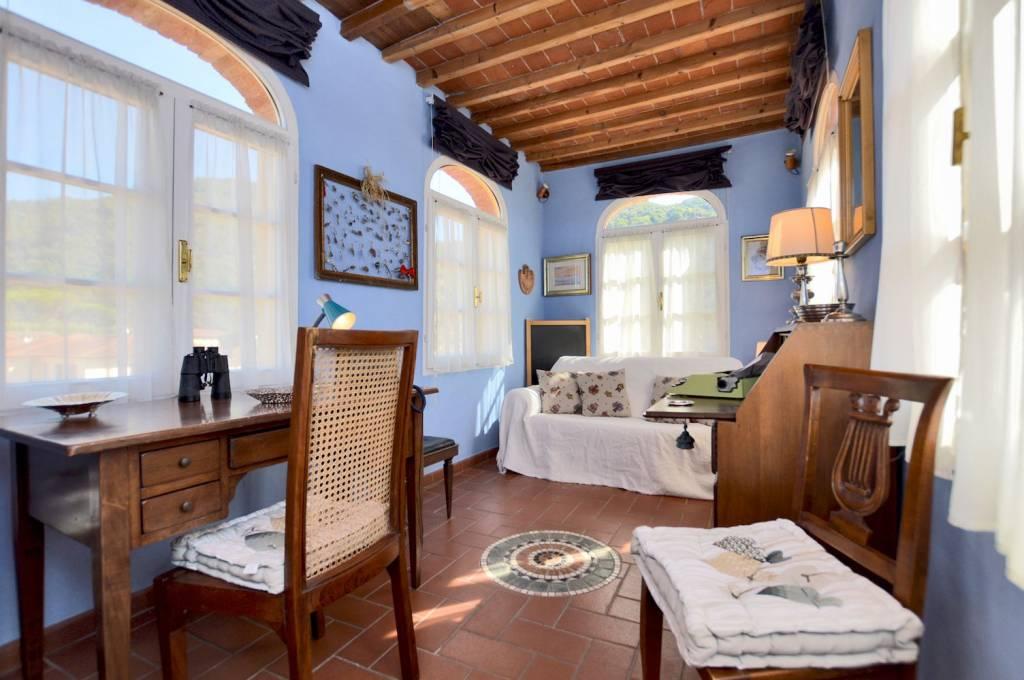 Appartamento in buone condizioni in vendita Rif. 8157313