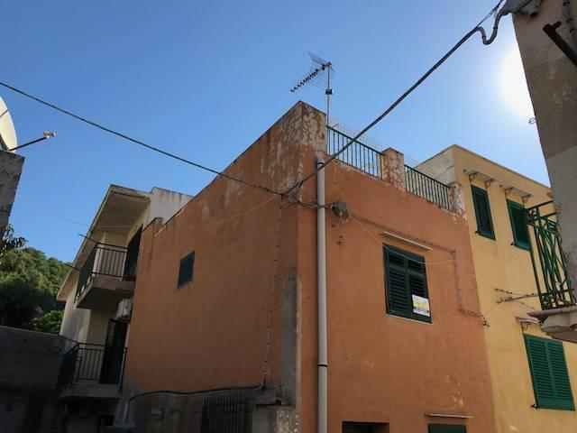 Appartamento in buone condizioni in vendita Rif. 8157013