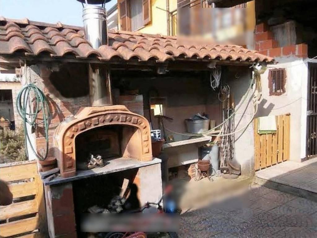 Appartamento in ottime condizioni in vendita Rif. 8172981