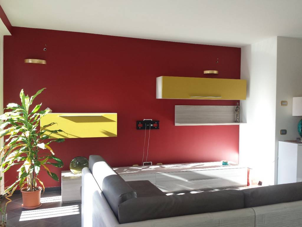 Appartamento in buone condizioni arredato in affitto Rif. 8153692