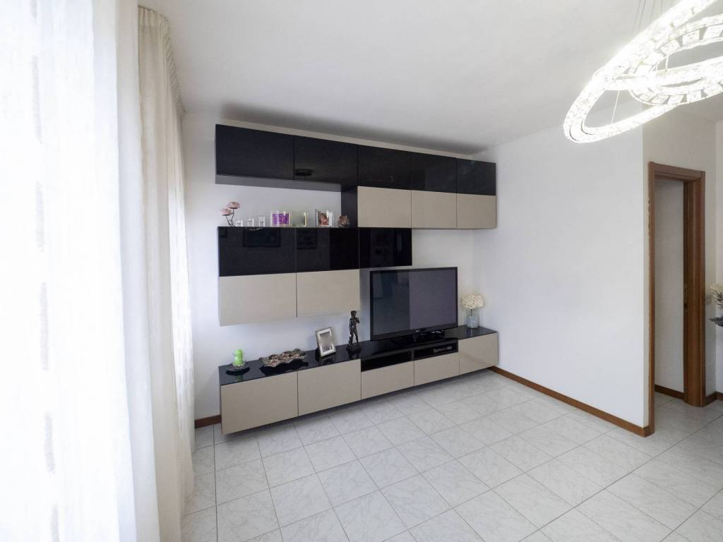 Appartamento 4 vani con garage a Scopeti