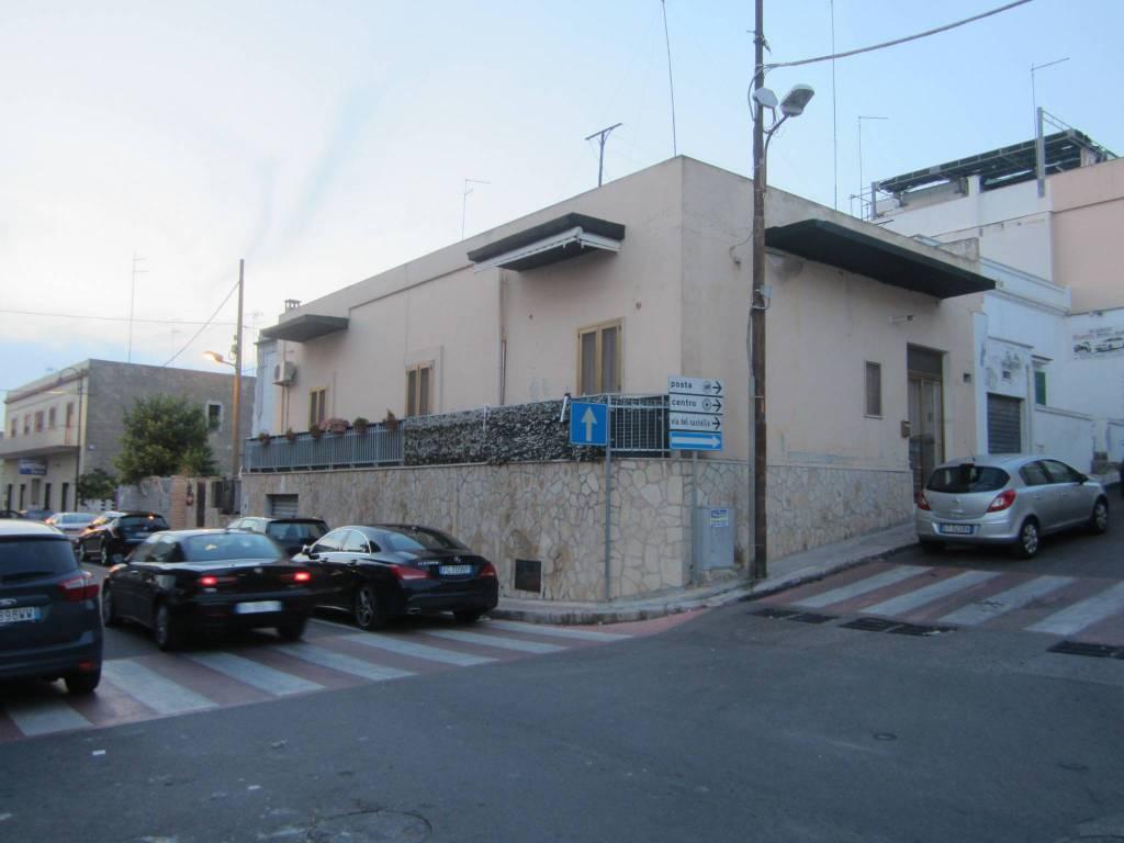 Appartamento in buone condizioni in vendita Rif. 8170320