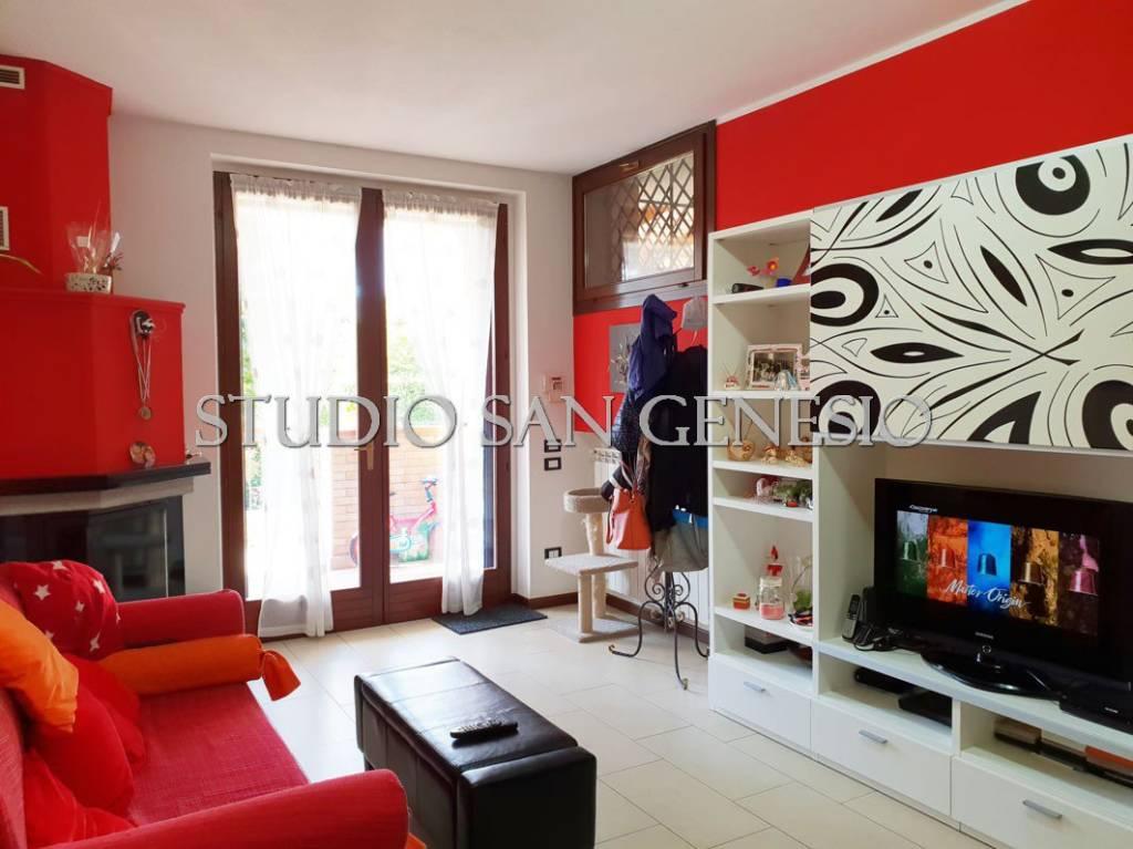 Appartamento in ottime condizioni in vendita Rif. 8156218