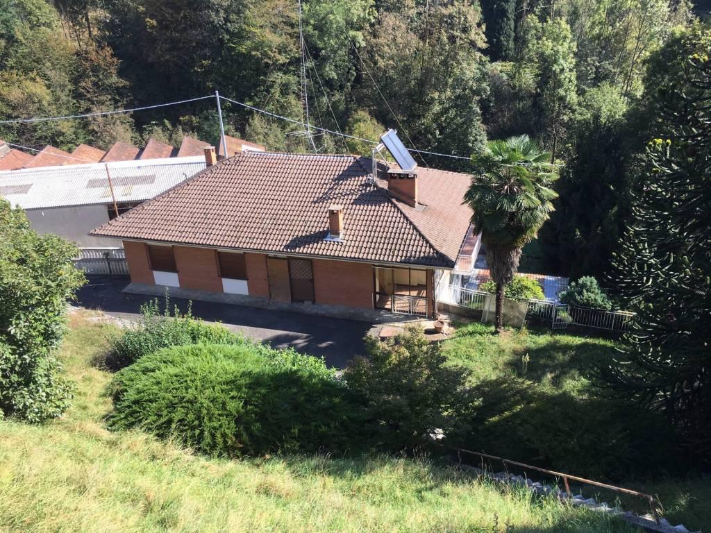 Villa con terreno e capannone - Ottimo prezzo