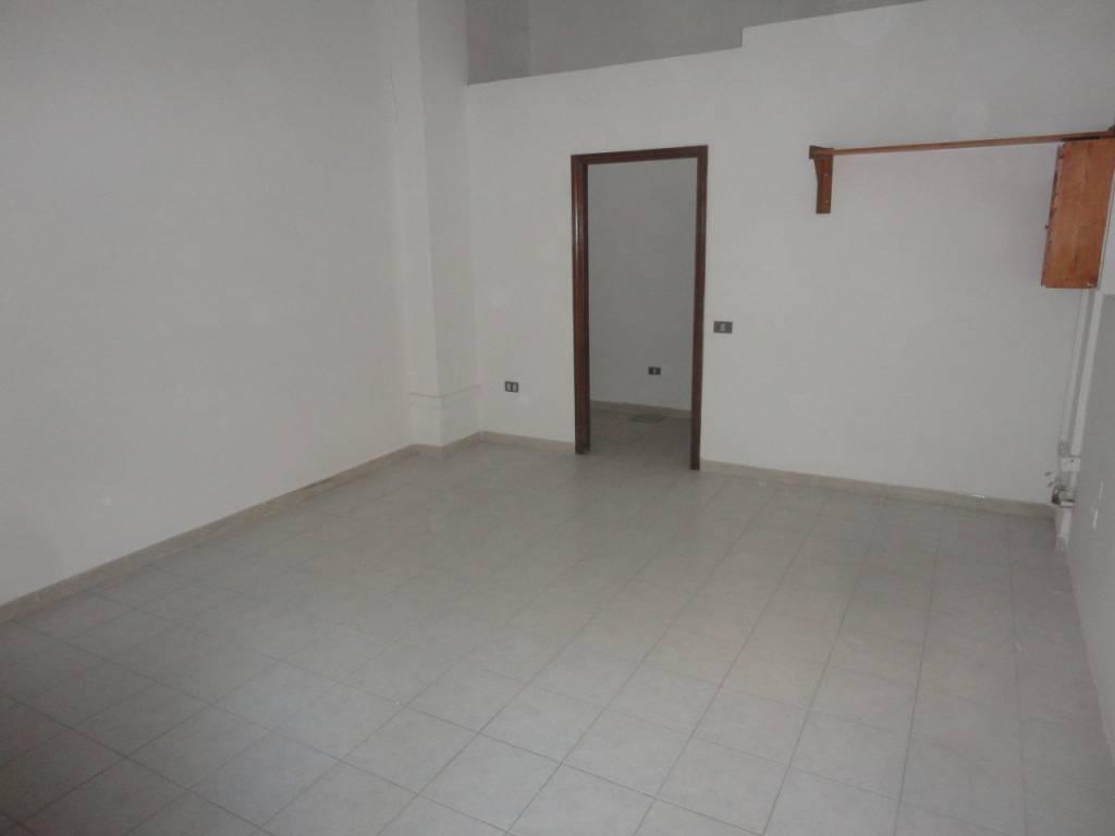 Via Emilia fondo/studio di mq.25 ristrutturato Rif. 8155811