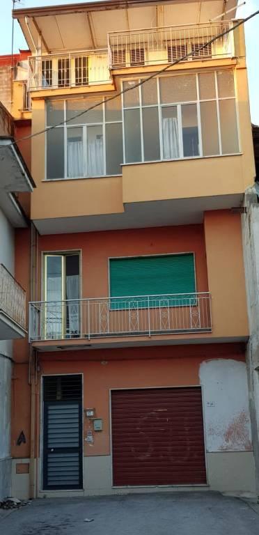 Appartamento da ristrutturare in vendita Rif. 8153627