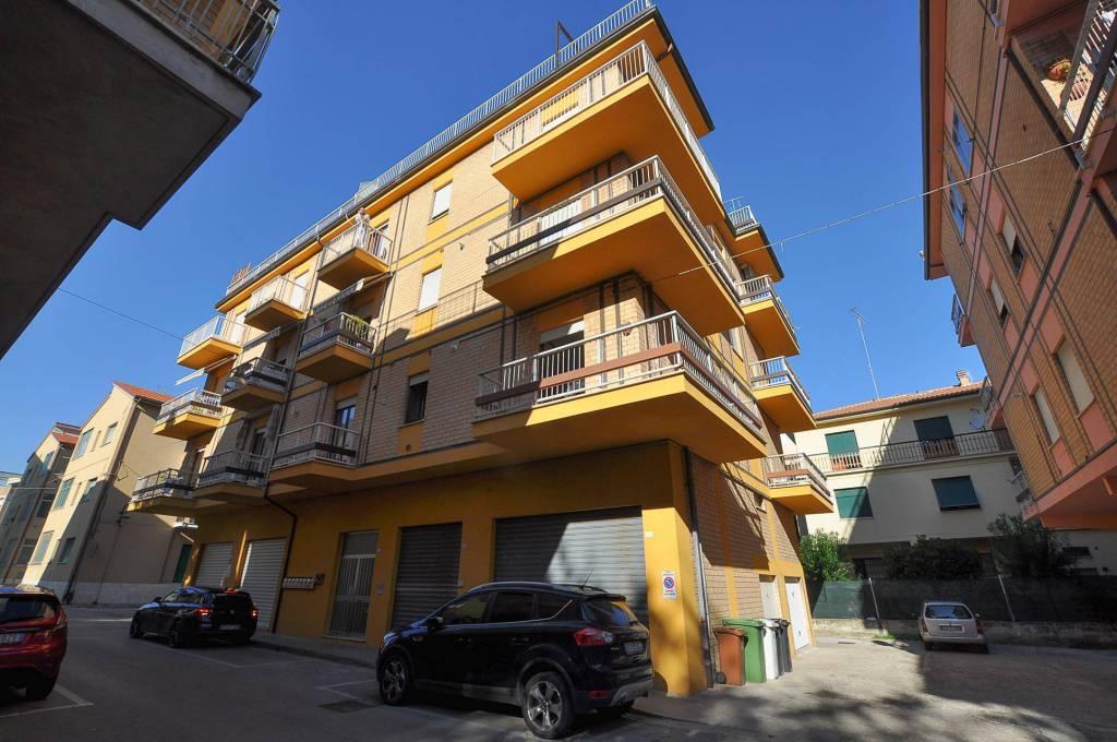 Appartamento parzialmente arredato in vendita Rif. 8151166