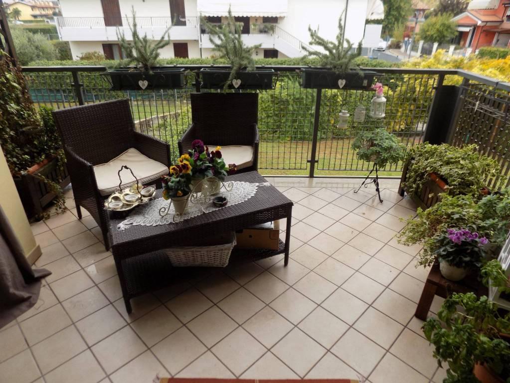 Appartamento in ottime condizioni parzialmente arredato in vendita Rif. 6856338