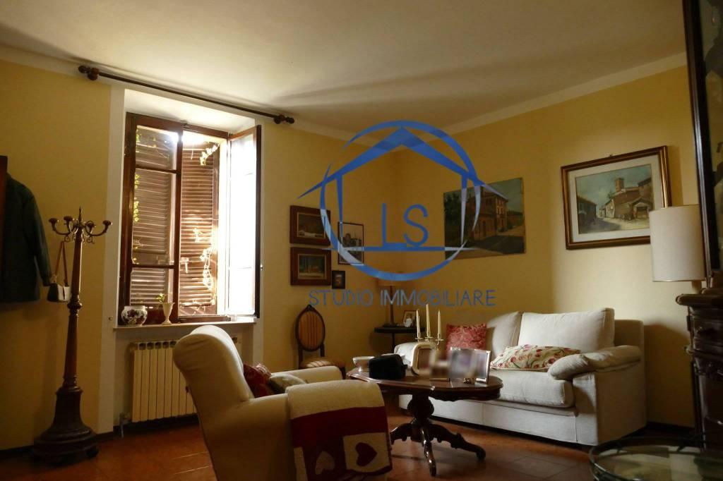 Appartamento in buone condizioni in vendita Rif. 8509215