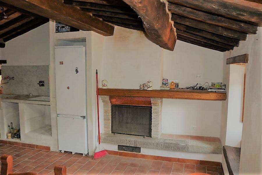 Rustico / Casale in buone condizioni arredato in vendita Rif. 8151432
