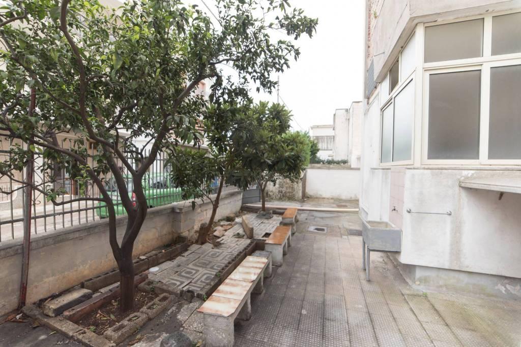 Appartamento a piano terra con giardinetto