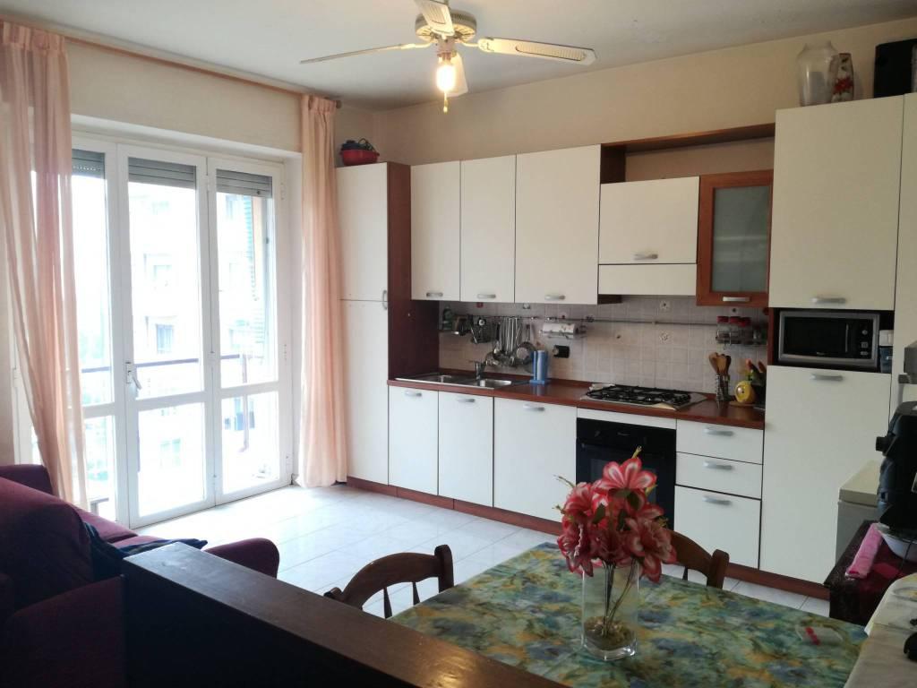 Appartamento in buone condizioni parzialmente arredato in vendita Rif. 8802931
