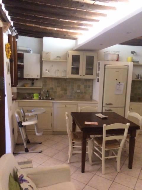 Appartamento in buone condizioni parzialmente arredato in vendita Rif. 8162378