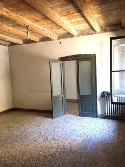 Appartamento INDIPENDENTE PIANO TERRA CON GIARDINO